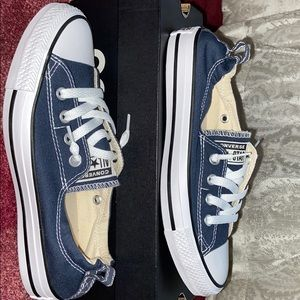 Women's converse size 7.5